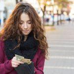 賢くお財布を選んで金運UP!風水的に良い財布とは……?