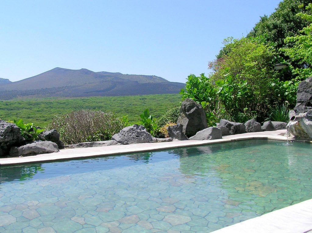 「温泉」に浸かりながら眺める絶景